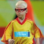 Kind mit Sportbrille