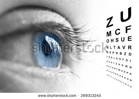 Fokussiertes Auge beim Sehtest